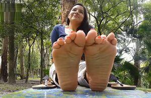 Latina Central Yankee Feet Preview 4 -..