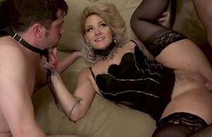 Cuckold domina smashes her bull and..