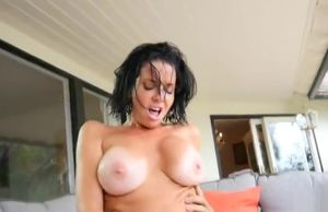 Stunner huge-chested Veronica Avluv is..