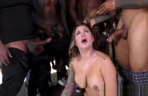 Blowing honey gets jizz from Big black..