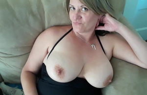Mummy toying with her baps