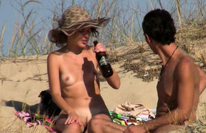 Beach Hidden cam Amateurs Naturist..