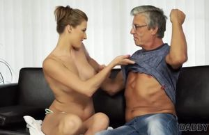 Daddy4k. stud catches gf victoria..