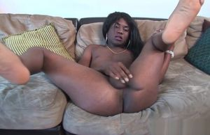 Black trans girl drains and tugs her..