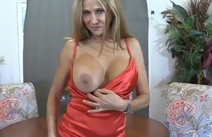 Pretty cougar elle rose  pulverized by..