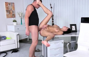 Nice nymphomaniac gives oral job in..
